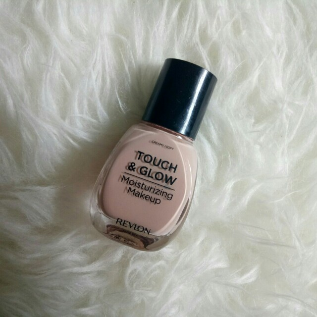 Revlon Touch & Glow Foundation