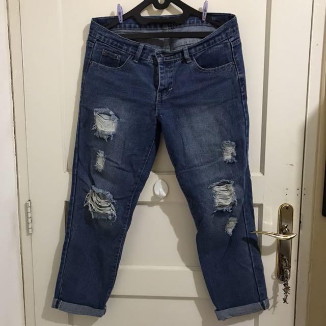 Ripped Jeans (Jeans Sobek Sobek)