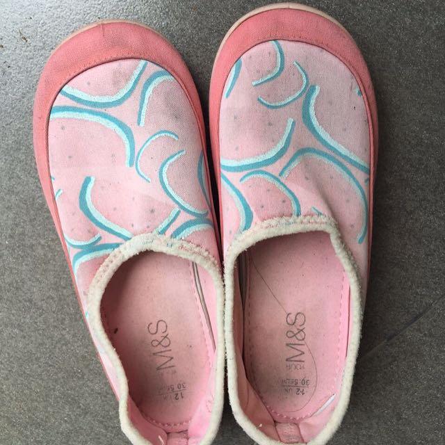 Sepatu Mark spencer kids size 12