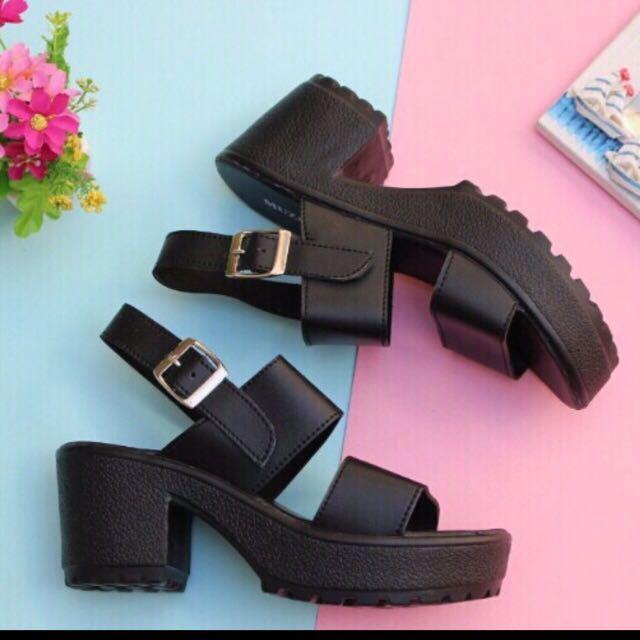 Sepatu Wedges Hitam Wanita Murah - Wedges Heels Gesper Lucu - Sepatu Kantor Hitam - Sepatu Kerja - Sepatu Santai