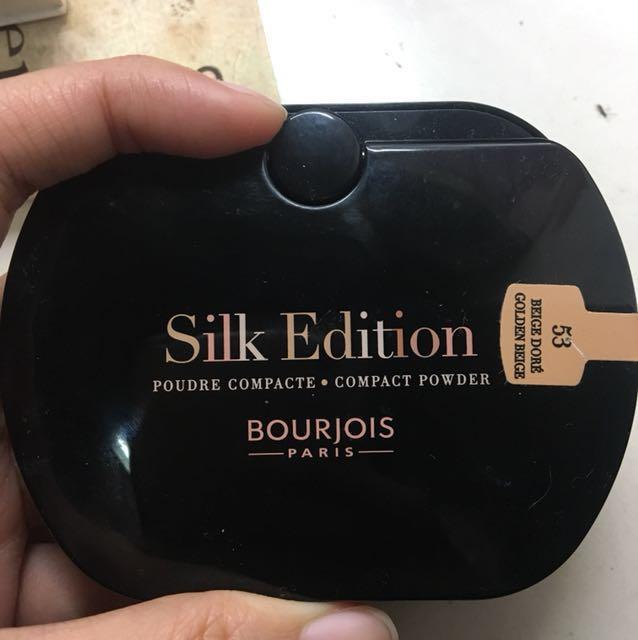 Silk Edition Compact Powder