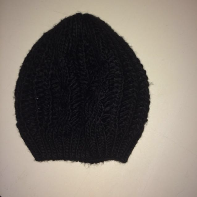 Simple Knitted Black Beanie