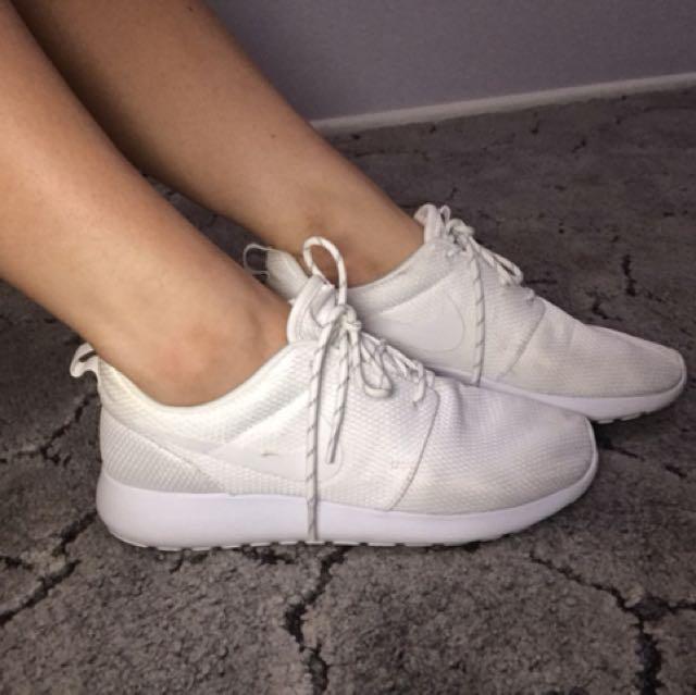 Size 9 Nike's