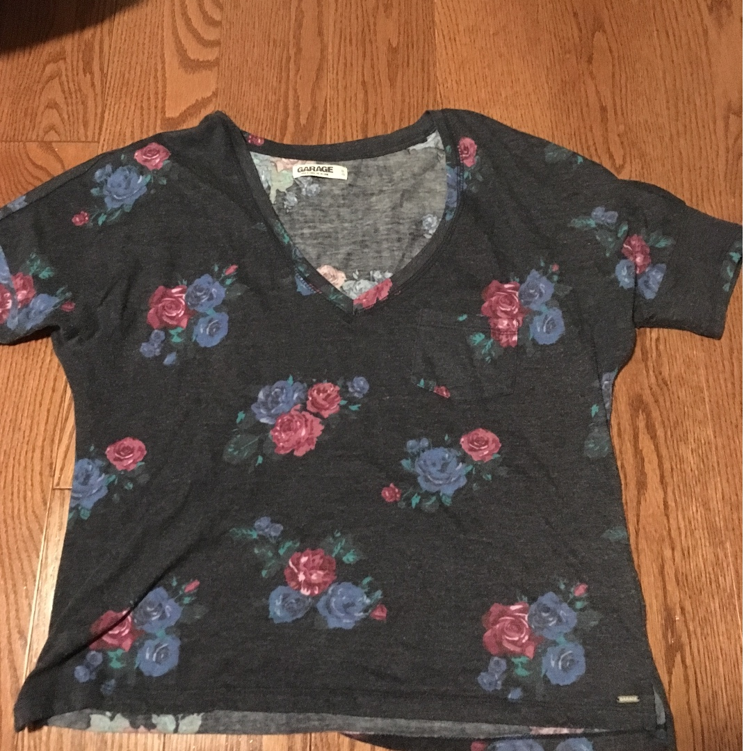 Size small garage floral t shirt