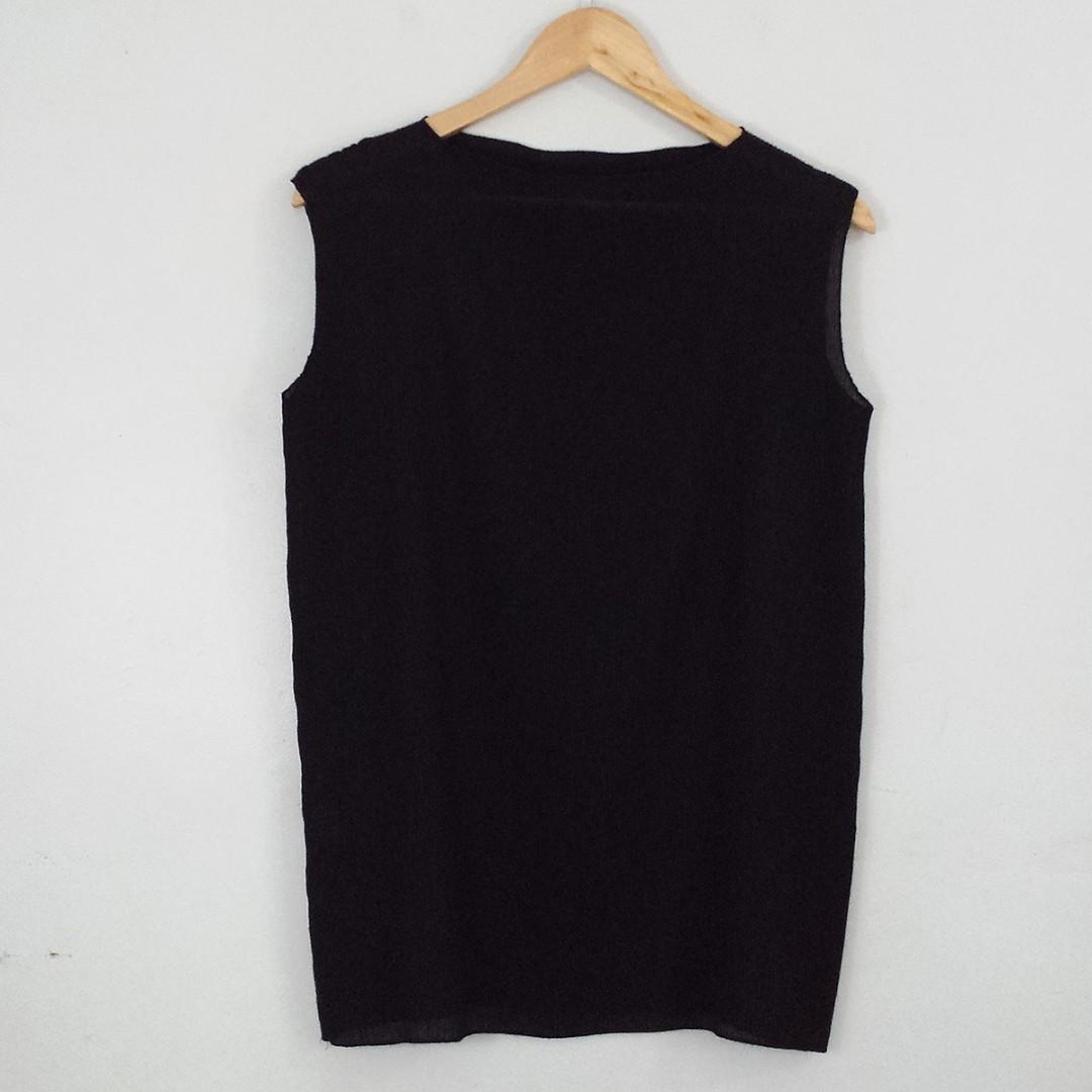 Sleeveless Black Pleated Blouse Top