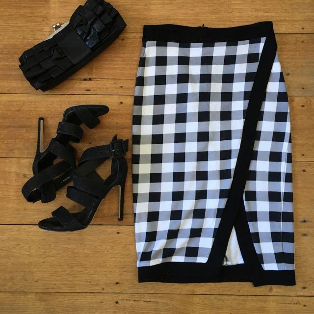 Sportsgirl XXS skirt black and white checkered houndstooth retro look