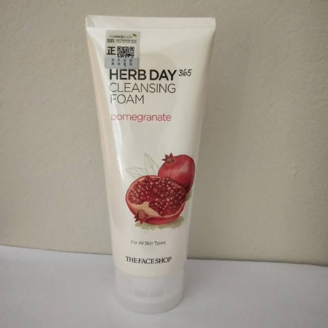 The Face Shop Herb Day 365 Cleansing Foam Pomegrante