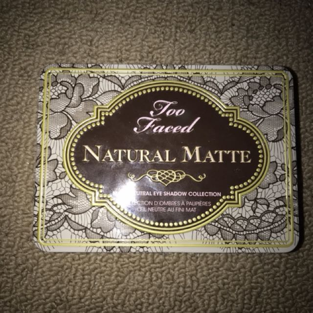 Too Faced natural eyeshadow palette