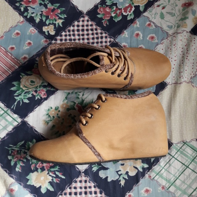Wade Wedge shoes
