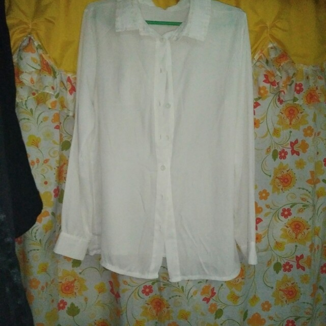 white long sleeves tops