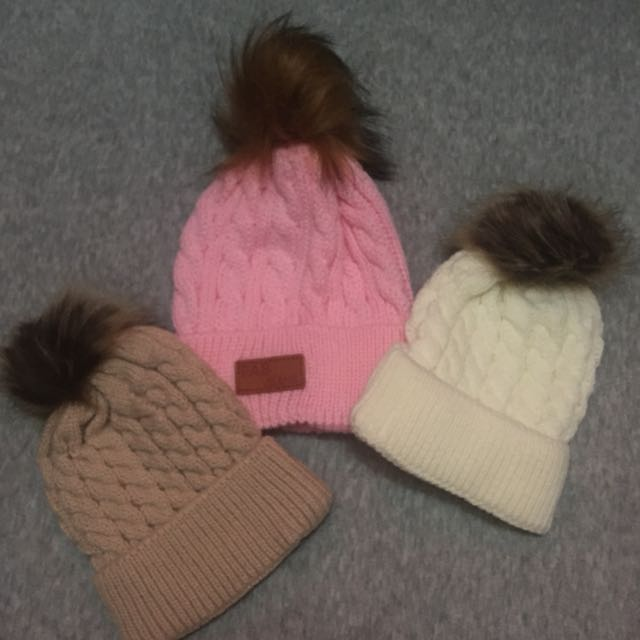 Winter hat / bonnet / cap