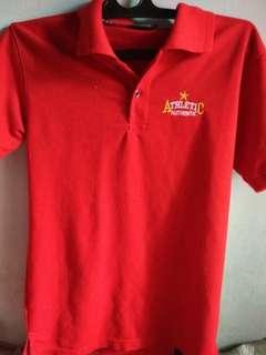 Kaos kerah merah
