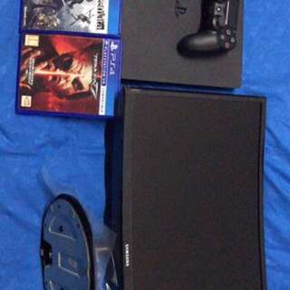Playstation 4 with 24 curve monitor