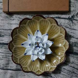 Brown lotus plate with white lotus incense burner home decoration