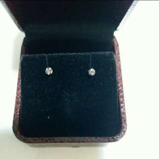 18k white gold studds earring