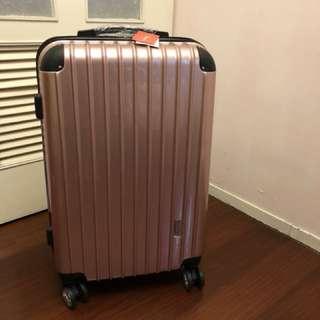 24寸玫瑰金行李箱