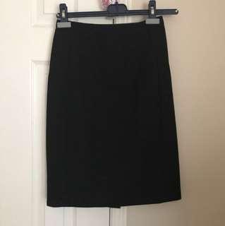 Aritzia Babaton pencil skirt size 2
