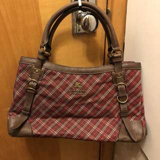 Burberry blue label日本製紅色格仔可上膊手袋有塵袋14吋 x 9吋 x 6吋