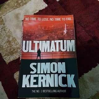 Ultimatum by Simon Kernick reading book / novels