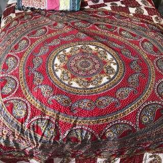 Queen bed tapestry
