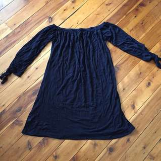 Off shoulder dress size S