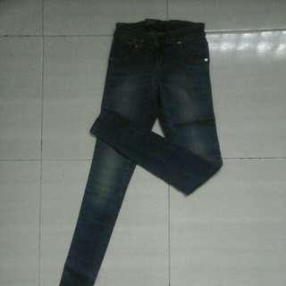 Dijual celana size S