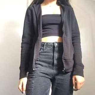 basic black hoodie - size M