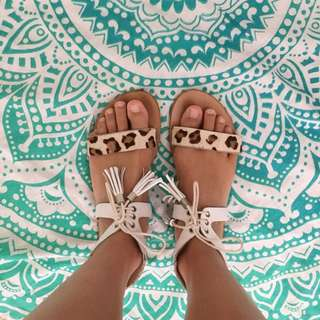 Urge leather sandals