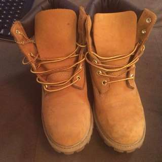 Barely worn timberlands size 7 men