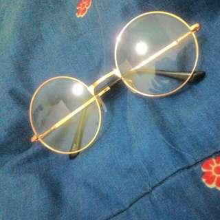 Round Gold Glassess