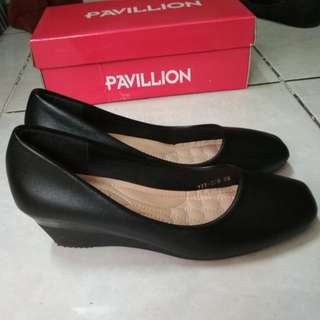 (New) Sepatu Wedges Black