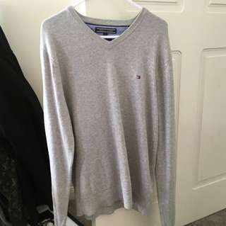 V NECK TOMMY HILFIGER JUMPER WANT GONE ASAP XX