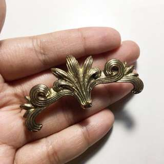 Gold ornaments ring