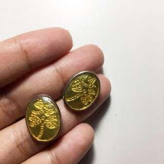 Gold ouval earrings