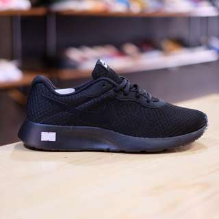 Nike Tanjun Run All Black
