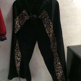 Celana Rok Batik
