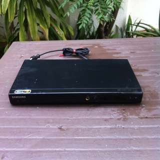 Samsung DVD player with karaoke functions. Compact and lightweight. No remote