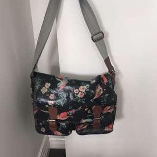 Bird pattern over the shoulder bag