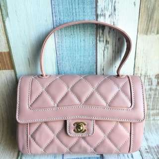 Chanel櫻花粉手挽包