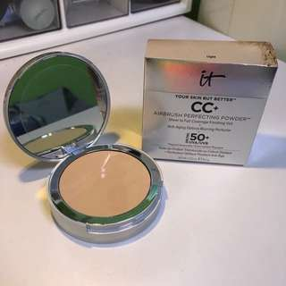 IT Cosmetics Your Skin But Better CC+ Airbrush Perfecting Powder, SPF 50, Light.