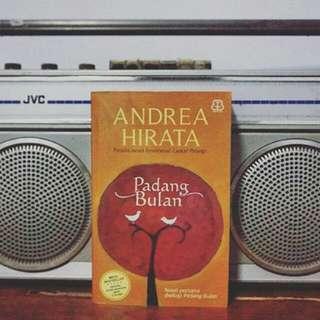 Padang bulan & cinta dalam gelas By Andre hirata