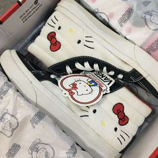 Vans x Hello Kitty Sk8-Hi Slim