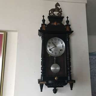 Antique clock (The clock is in working perfectly)