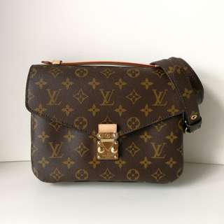 Authentic Louis Vuitton Metis Pochette