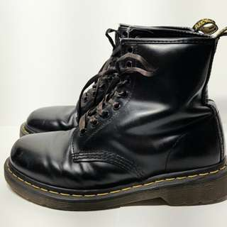 Doc Martens 8 eye boots