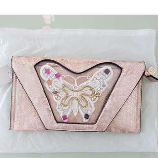 Pink Butterfly Gradient Clutch
