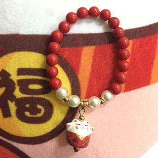Maneki Neko (lucky/waving/fortune) cat bracelet in Red