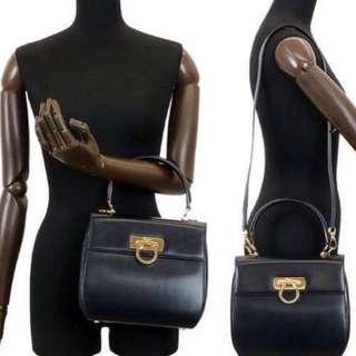 中古 Ferragamo Navy Blue 手挽袋 Two Way Bag  非 Chanel Hermes Dior Celine Loewe Versace
