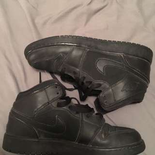 Black Nike Air Force 1- High