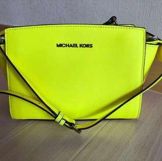 Michael Kors 手袋 螢光黃